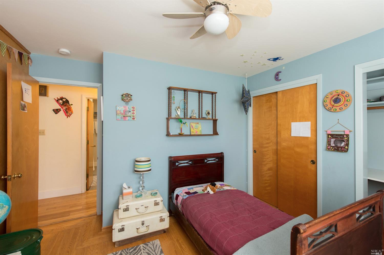 824 Pordon Ln, Healdsburg, CA 95448-3731 $995,000 www ...