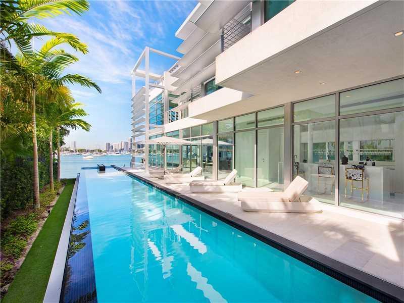 440 Hibiscus Dr, Miami Beach, FL 33139