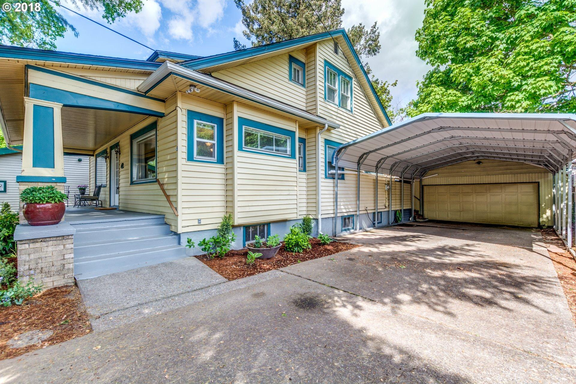 Attractive Bungalow In Sw Portland Gorgeous Hardwood In Living &